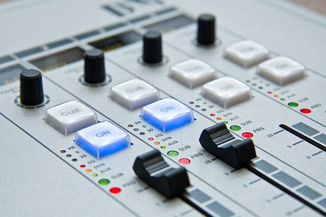 radio-1475055_640