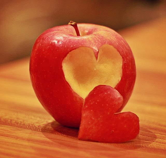 apple-1228374_640